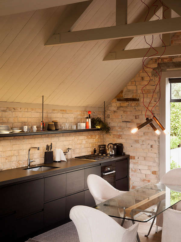 What Can Be Stored Exposed To Sunlight In The Kitchen