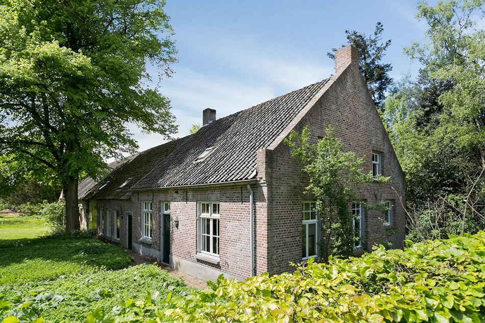 A century old farmhouse for sale in the netherlands for Farm house netherlands