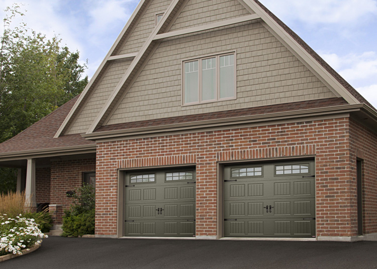 Garage doors by garaga and some with a bit more of a traditionalcountry look solutioingenieria Images