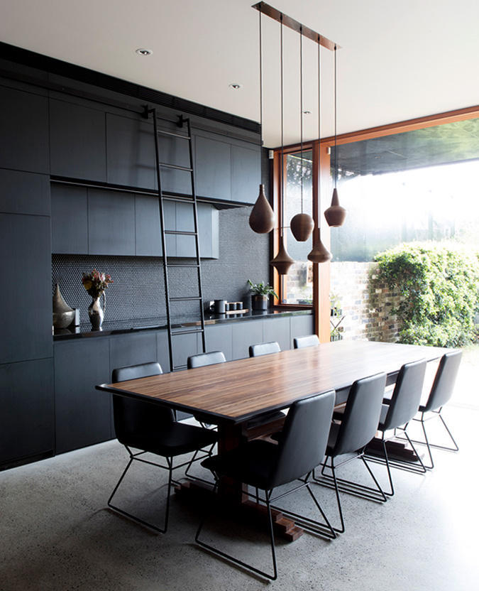 But It Doesn T Stop There A Bathroom Completely Clad In Black Penny Rounds Yes Please Screen House By Australian Architecture Firm Carter Williamson