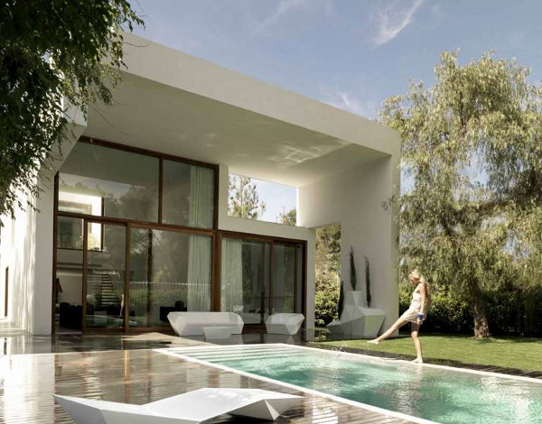 Merveilleux The Quest For Harmony, Serenity And Timelessness, Atmosphere, Universality  And Context Drives The Creative Processes Of Spanish Architect Ramón Esteve.