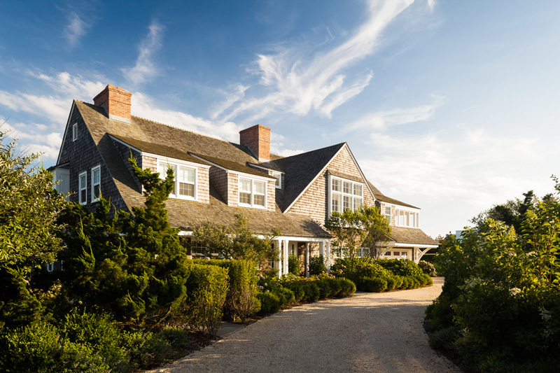 This Is Everything A Luxurious Beach House Should Be Located On The Dunes Of East Hampton Shingle Style Nothing But Neutral And
