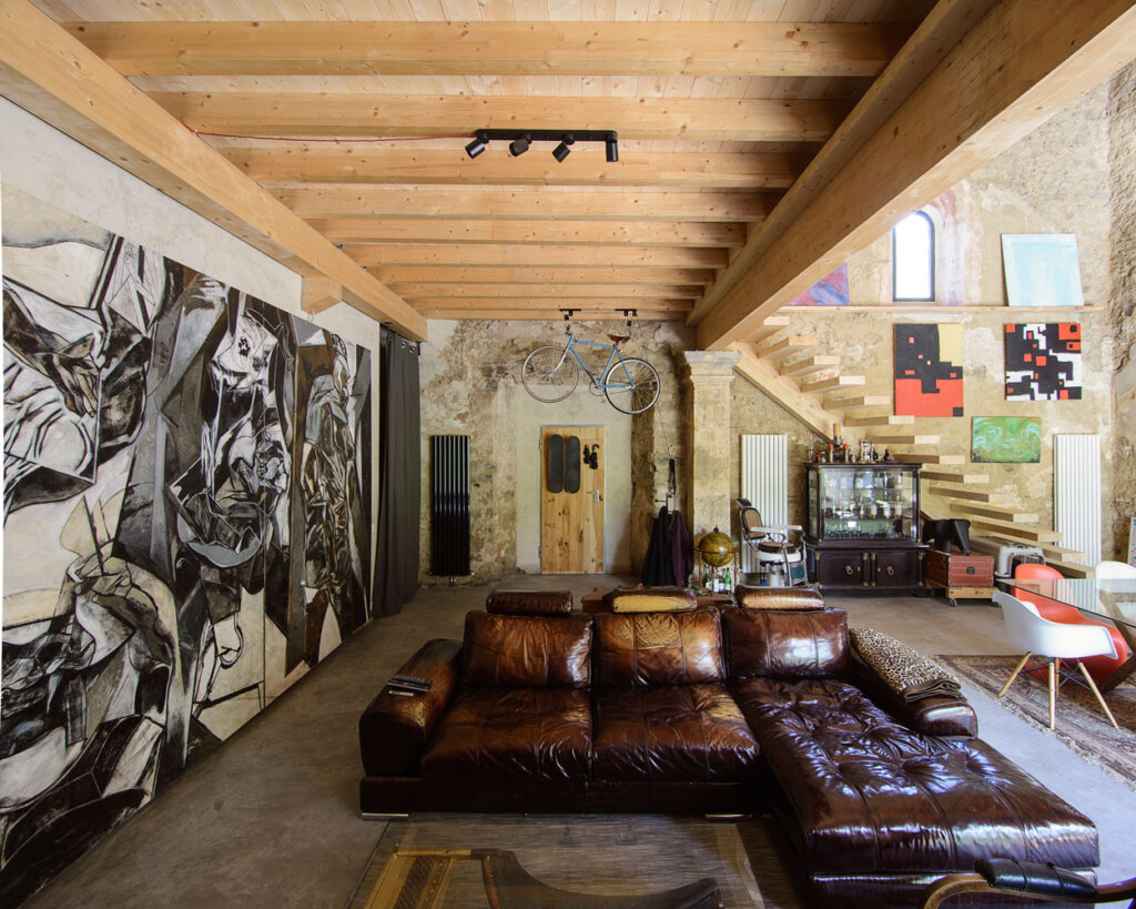From abandoned Renaissance church to a contemporary home